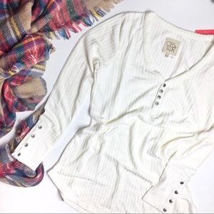 Chaser | White waffle knit thermal vneck